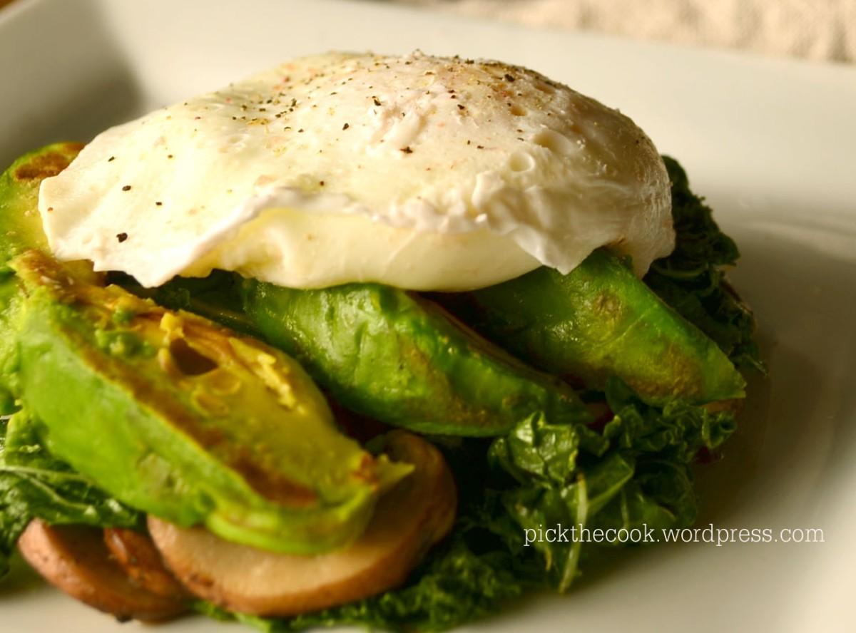 Poached Egg With Grilled Avocado Ou Po At Cu Avocado